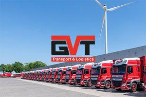 foto van vrachtwagens op het distributiecentrum van GVT transport & logistics met het logo op de foto